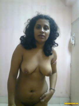 Mallu aunty with sexy boobs
