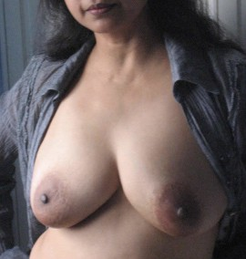 Hot Aunty Boobs And Her Sexy Indian Vagina