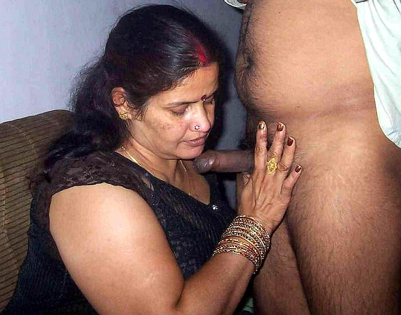 image Delhi housewife giving her devar nice handjob