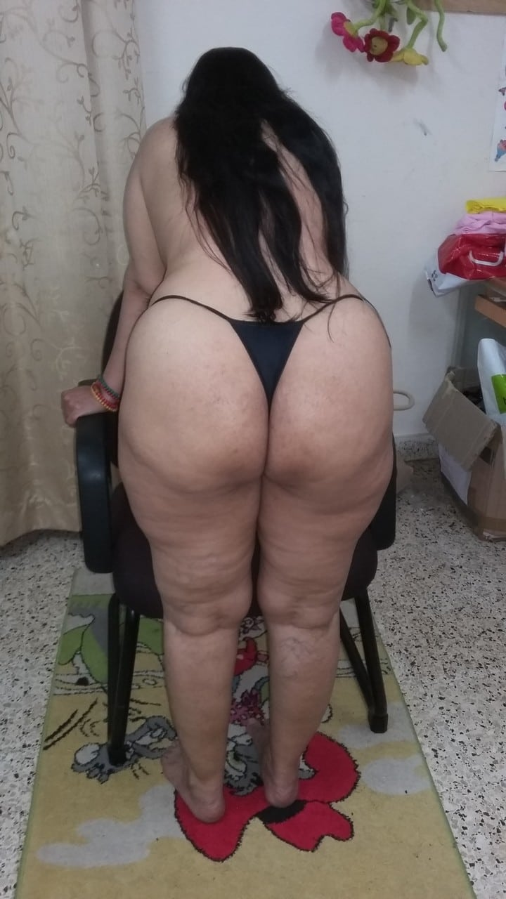 Fair Indian woman showing her whaletail