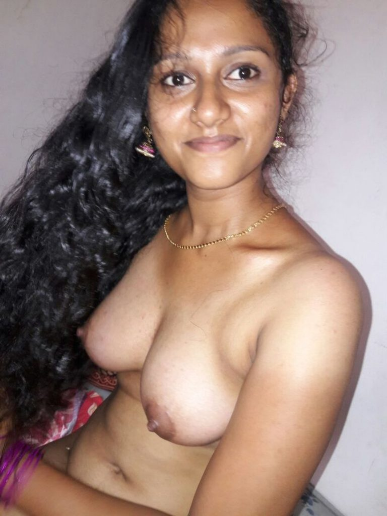 Mallu young girl having erected nipples