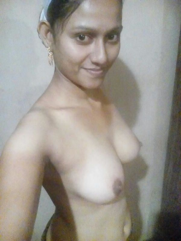 Mallu young girl showing her boobs