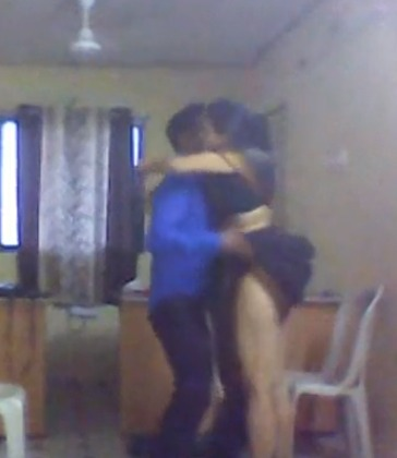 Desi Indian aunty affair in office sex video