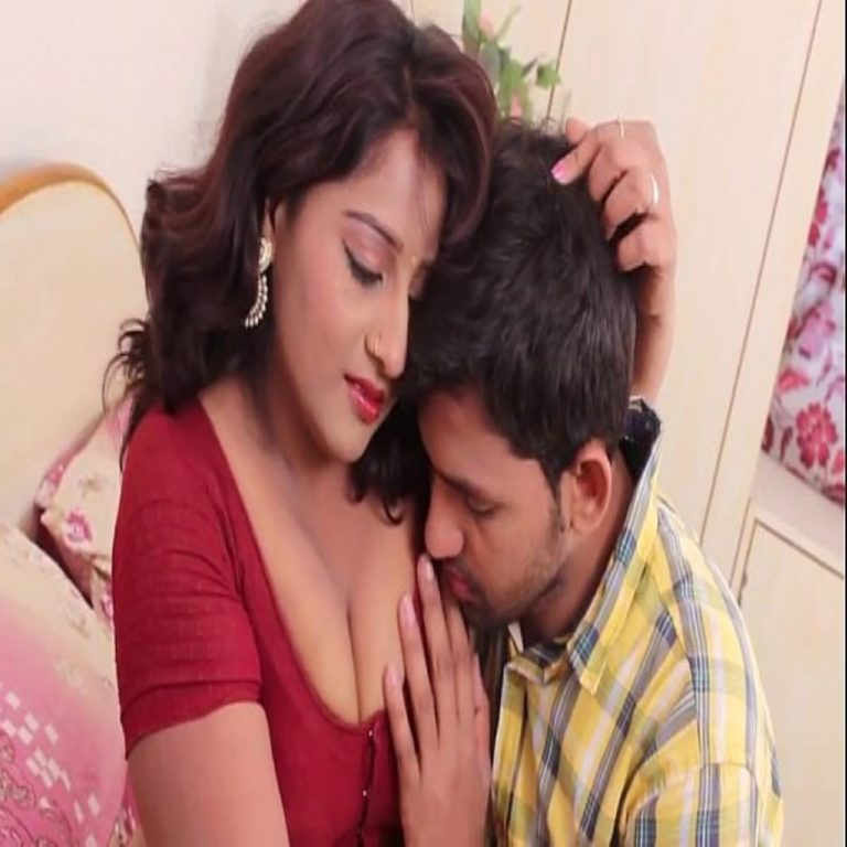 sexy red saree lady hot video